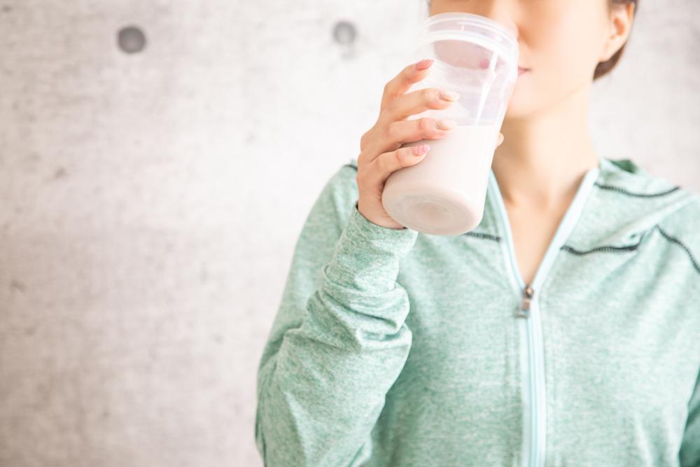 タンパク質の摂りすぎは危険?過剰摂取のデメリット・副作用