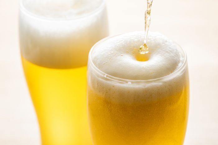 筋トレとアルコールの関係。悪影響を軽減するための飲み方は?