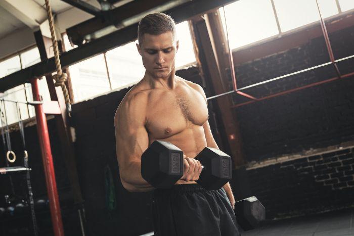 腕を鍛えるトレーニングメニュー