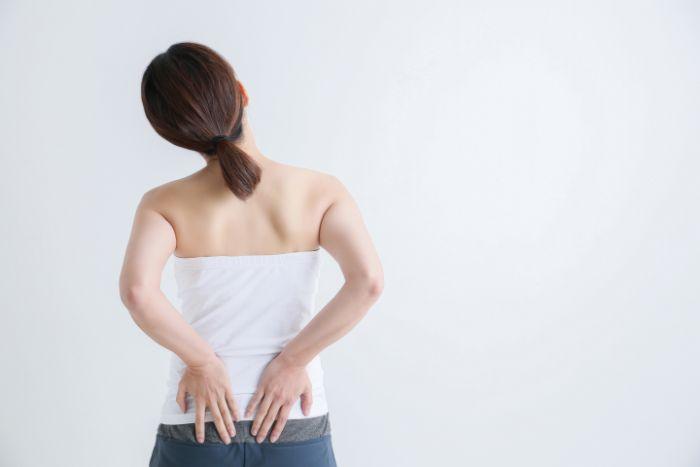 腰痛の予防と対策!自宅でできる筋トレ&ストレッチ