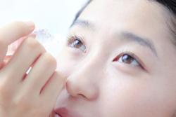 カラコンに合わせた目薬選びが◎ 目のうるおいと健康をキープしよう!