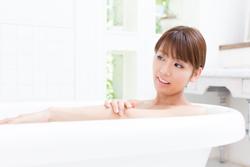 コンタクトをつけたまま入浴すると危ない理由