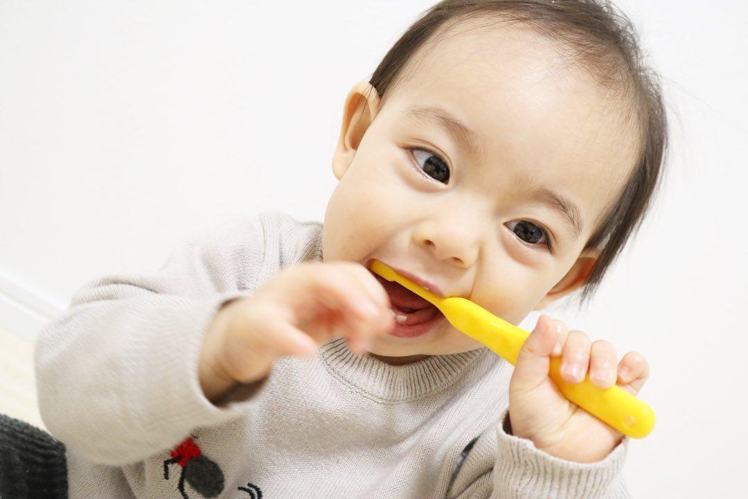 赤ちゃんの歯磨き粉の選び方 効果的な使い方で楽しく虫歯予防を