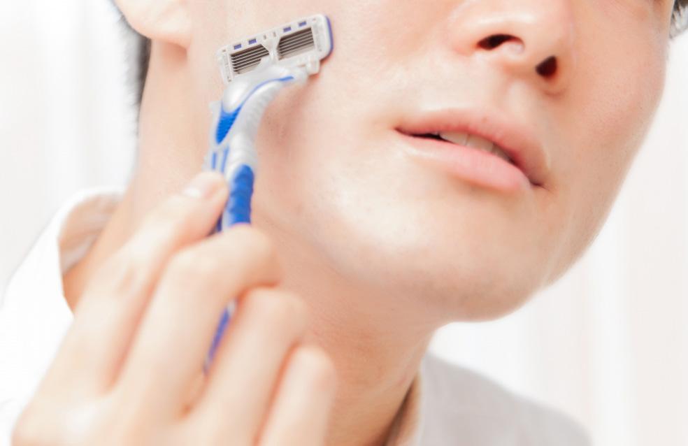カミソリ負けを繰り返す肌に予防とケアの徹底ですべすべ自信肌へ