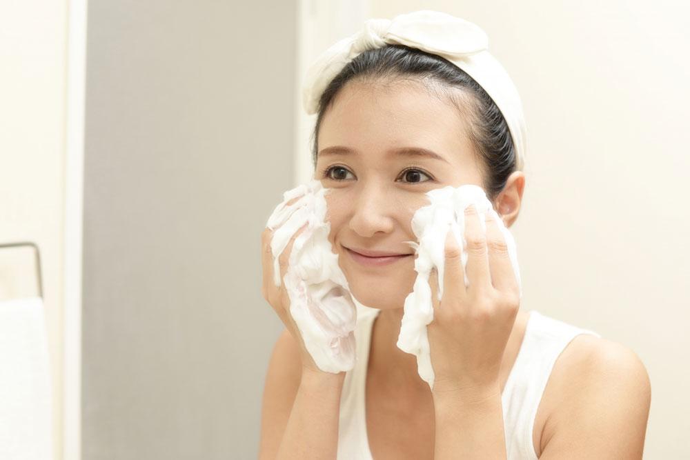 正しいクレンジングと洗顔