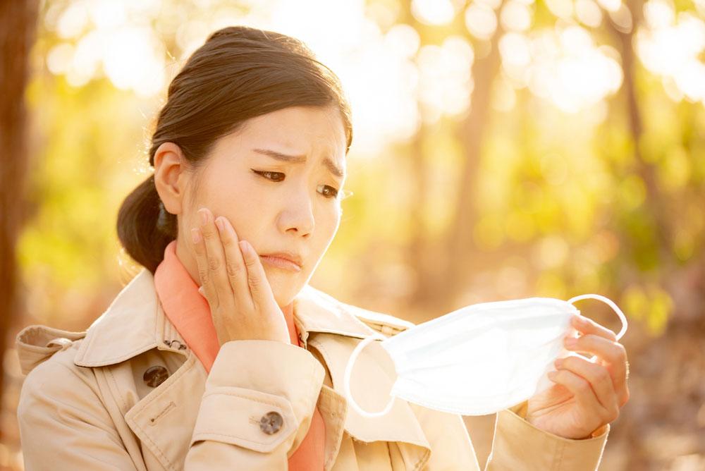 マスクによる肌トラブルの原因は?
